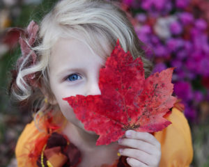 fall-leaf-face